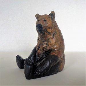 Eric Thorsen sculpture of sitting bear
