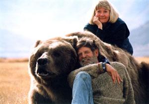 Doug and Lynne Seus and Bart the Bear