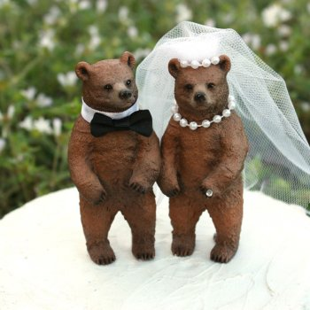 Bear wedding cake