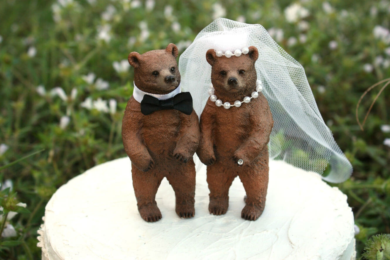 Bear wedding cake