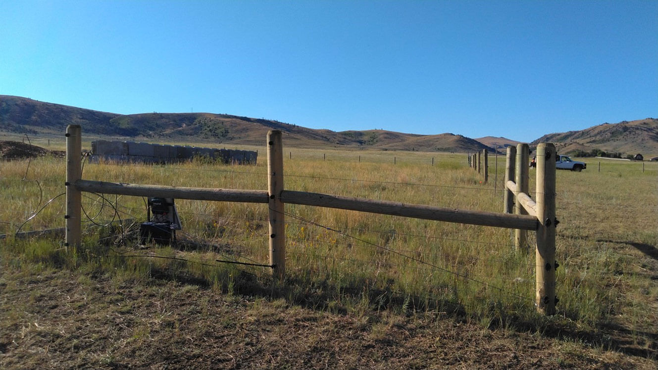 Electric fencing in Madison Valley